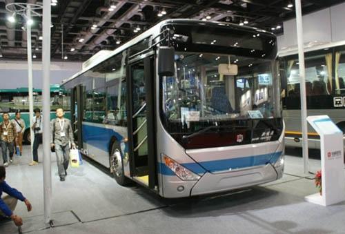 中通lck6122phev插电并联式混合动力客车